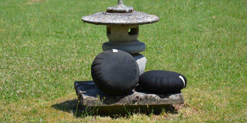 Zafus, zen temple  La Gendronnière